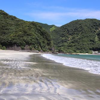 日本の白砂青松100選~波当津海水浴場~